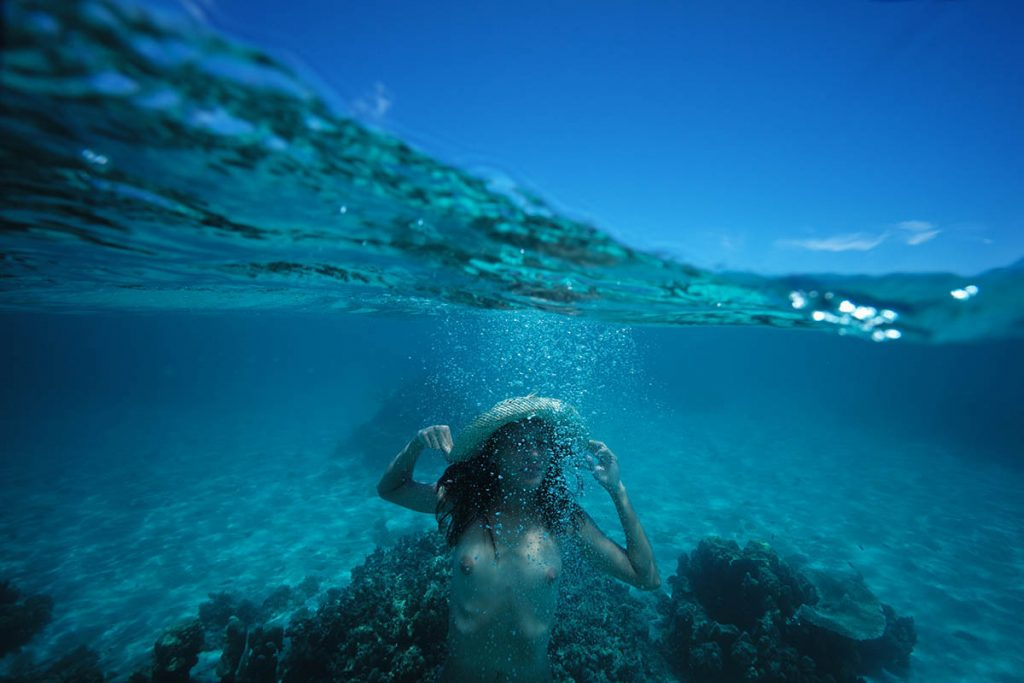 d couvrez un shooting photos sous l 39 eau made in tahiti le lagon et la plage cote est de l 39 le. Black Bedroom Furniture Sets. Home Design Ideas