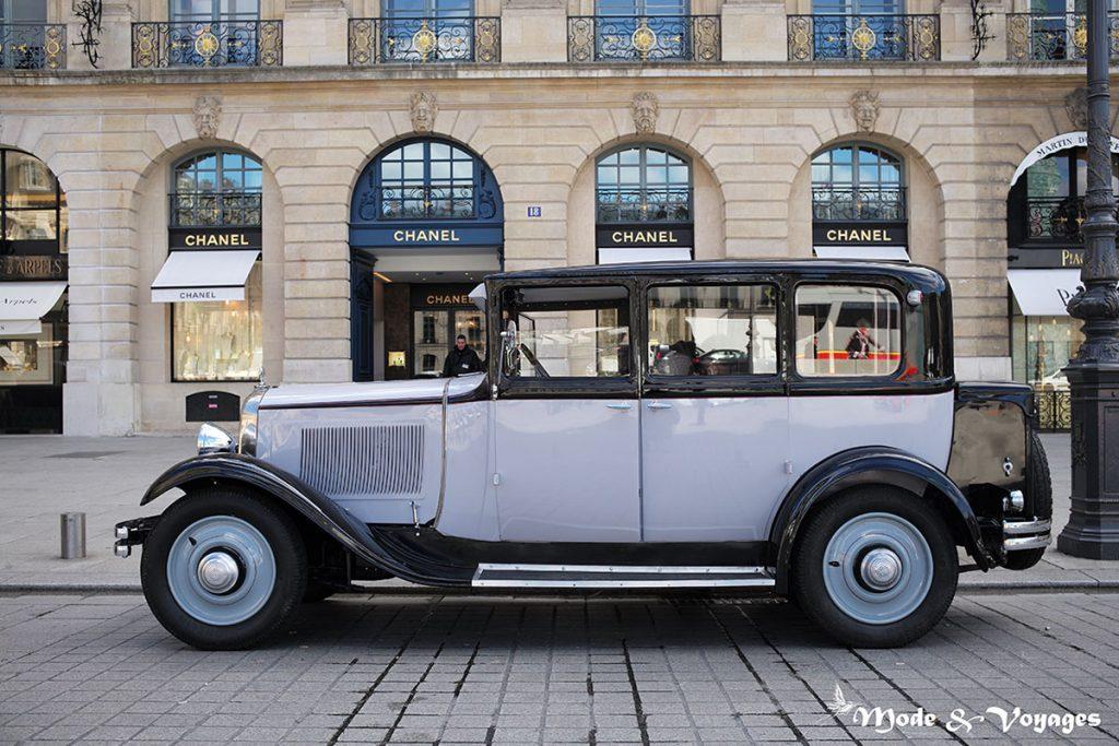 Paris : balade insolite en voiture de collection avec Félix et Rosalie