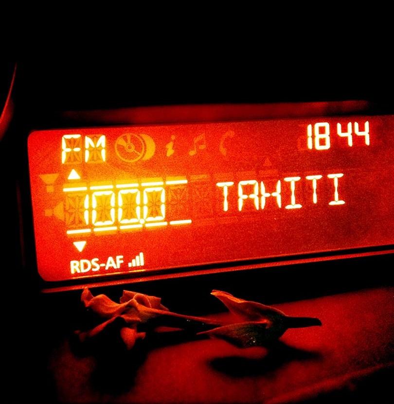 Ma radio favorite au retour d'une bonne session de surf à Tahiti
